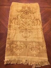 VTG Bath Towel Fleur de lis Fieldcrest Gold Sculpt Fringe Retro Powder Excellent