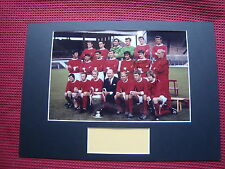 MANCHESTER UNITED 1968 EUROPEAN CUP WIN *4* SIGNED PHOTO A3 MOUNT DISPLAY- AFTAL