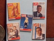 Dollhouse Miniature Vintage Magazines Books L 1:12 scale H118  Dollys Gallery