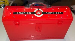 SNAP-ON TOOLS PARTY BOX POKER CHIPS PLAYING CARDS CRIBBAGE BOARD DICE FUN PLAY !