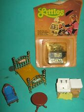 The Littles Vintage Doll House Furniture-Mattel- 1980 -5 pieces + Accessories