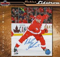 NICKLAS LIDSTROM Signed Detroit Red Wings 8x10 Photo - 70155