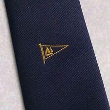 Drapeau fanion cravate rétro vintage bleu marine crest logo club association nautique 1980s