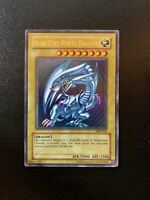 Yu-Gi-Oh Blue Eyes White Dragon SDK-001 *Ultra Rare Foil Card* FIRST EDITION
