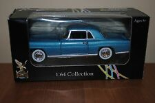 Diecast Car Blue 1956 Lincoln Continental Mark 2 Yat Ming 1:64 Road Signature