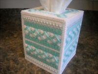 TISSUE BOX COVER - DELICATE GREEN & WHITE - Plastic Canvas