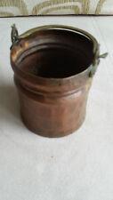 Antiker kleiner Kupferkessel mit Henkel