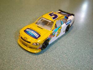 Dale Earnhardt Jr #5 Nascar Nationwide Action Racing 2011 Hellmann's Impala 1/64