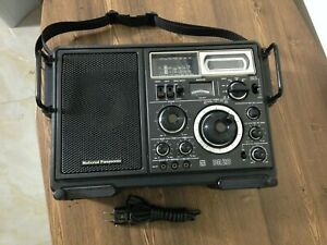 National Panasonic FM-MW-SW 6 Band Receiver DR 28 Model RF-2800LBS, Excellent.