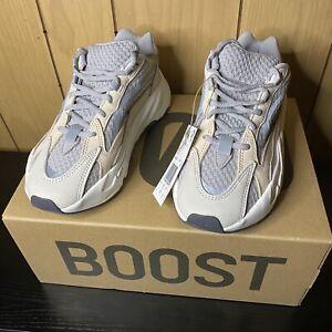 Size 5 - adidas Yeezy Boost 700 V2 Cream 2021