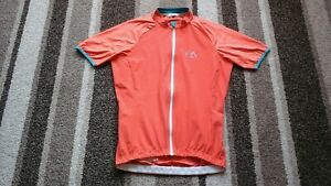 LADIES CYCLING TOP JERSEY IN SIZE LARGE SHORT SLEEVED