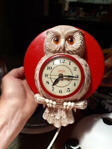 Vintage Motion Wall Owl Clock United #556 Works circa 1954
