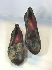 Munro Americana  Floral Velvet Loafers Smoking Flats  Women's Shoes Size 8 M