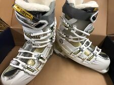 WOMEN'S WHITE & GOLD SALOMON DIVINE RS 7 SKI BOOTS SIZE 25.5