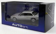 Voitures, camions et fourgons miniatures AUTOart pour Jaguar 1:43