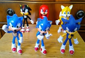 A great rare set of 6 Sonic Character Figures, size 10cm high, price £15.95p