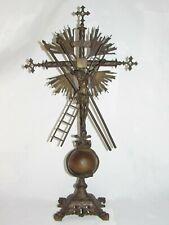 08F12 ANCIEN CHRIST CRUCIFIX CROIX AUTEL EN BRONZE AVEC OUTILS RELIGION XIXe