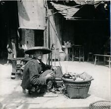 INDOCHINE c. 1930 - Dans une Rue de Kwei-Yang - Div 12014