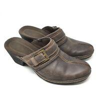 545e7707b9dc4 Women s Clarks Bendables Size 8.5M Mules Clogs Shoes Brown Leather Buckle Y7