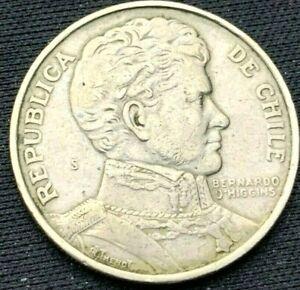 1975 Chile Un Peso Coin XF       World Coin Copper Nickel      #K542
