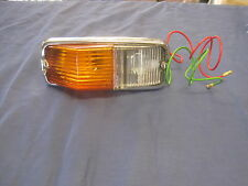 MGB FRONT SIDELIGHT INDICATOR  ASSEMBLY AND TWO BULBS 1962 -1974 **F2B