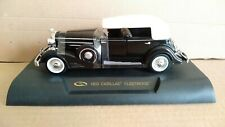 CADILLAC FLEETWOOD 1933 ROAD SIGNATURE SCALA 1/32