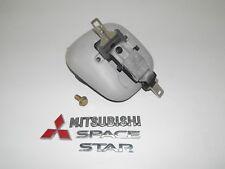 Mitsubishi Space Star 1,3 99Bj Sicherheitsgurt hinten Mitte