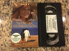 THE OLD LADY WHO WALKED IN THE SEA FULL LENGTH PROMO SCREENER VHS! NOT ON DVD!