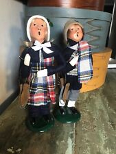 PAIR OF retired 1991   Byers Choice Carolers children skaters