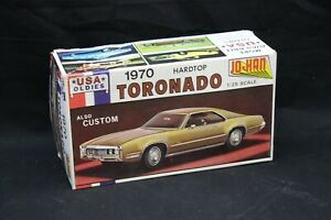 Jo-Han 1970 TORONADO HARDTOP 1/25 Scale Model Kit Open Box NICE
