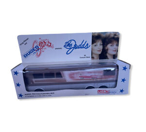 Vintage Buses to the stars The Judds New Super Friction apowered Bus