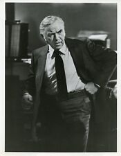 LORNE GREENE STANDING PORTRAIT GRIFF TV SHOW ORIGINAL 1973 ABC TV PHOTO