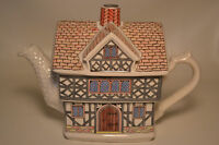 "English Country House- TEAPOT - ""Elizabethan House"" SADLER-Staffordshire England"