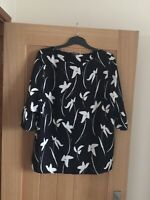 Womens Debenhams Size 16 Black Floral Fashion Top Plus Size Clothing Never Worn