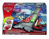 Disney Cars DVF38 Cars Transforming Lightning McQueen Playset