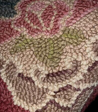 AREA RUGS - FLORAL HAND HOOKED WOOL RUG - 2' X 3'