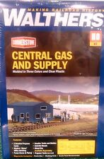 WALTHERS CORNERSTONE HO SCALE 1:87 CENTRAL GAS & SUPPLY KIT + 1 FREE HO FIGURE!