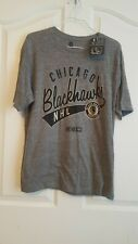 NHL NWT CHICAGO BLACKHAWKS T-SHIRT MEN'S SIZE S