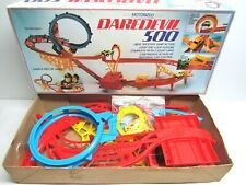 DAREDEVIL 500 STUNT RACE CAR TRACK EVERYTHING NICE + COMPLETE , THE MOTOR SEIZED