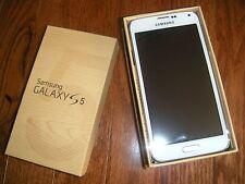 Samsung Galaxy S5 SM-G900F GSM Unlocked Smartphone White 16GB (New in box)