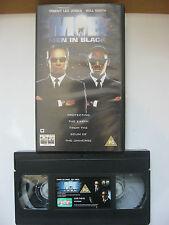 MEN IN BLACK VHS VIDEO. EAN: 5023940451089. Cert. PG. Smith, Lee Jones.