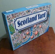 Scotland Yard board game. Dutch and French rules. By Ravensburger.