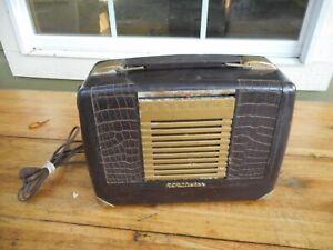 Vintage RCA Victor Bakelite AM Radio Model BX 57 For Repair / Parts