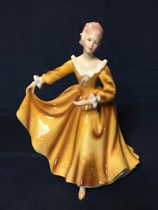 """Vintage Royal Doulton """"Kirsty"""" HN2381 Modeled By Pegy Dawies Year 1970 Excelent."""