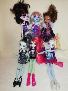 Monster High Bulk - 6 Of The Best. A GREAT GROUP OF POPULAR CHARACTERS, DRESSED!