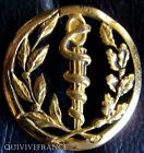 IN5922 - Insigne de béret, SERVICE de SANTE, dos lisse embouti
