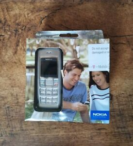 ** RARE ** Brand New & Sealed - NOKIA 1600 Mobile Phone - Never Opened