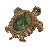 Broche originale de couleur or tortue pierre verte bijou