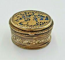 AN INDIAN THEWA GOLD, GLASS AND SILVER GILT OVAL SNUFF BOX, PRATAPGARGH