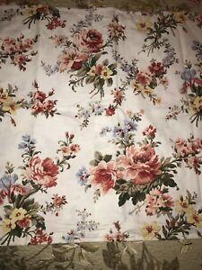 Ralph Lauren Floral Pair Standard Pillow Shams Flowers Bedding Linens Nice